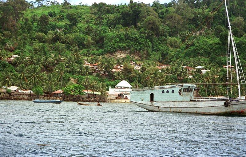 run island indonesia trivia
